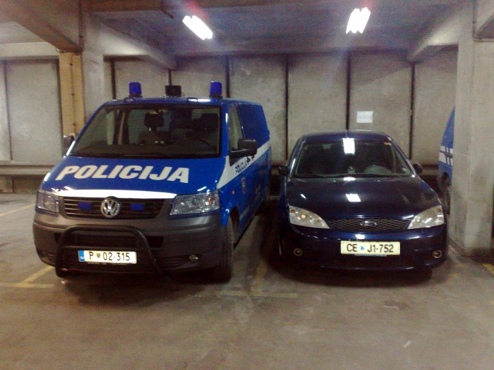 VW Transporter & Ford Mondeo