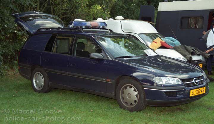 Politie Haaglanden Opel K-9 unit