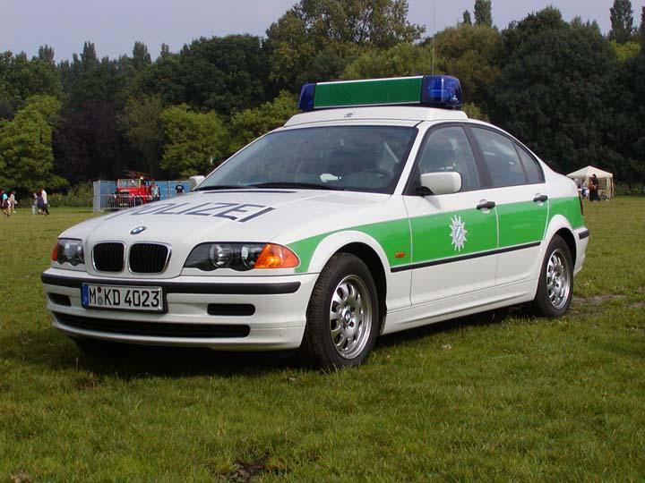 Polizei München BMW patrolcar photo
