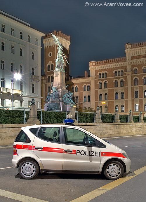 Vienna Police patrolcar Mercedes