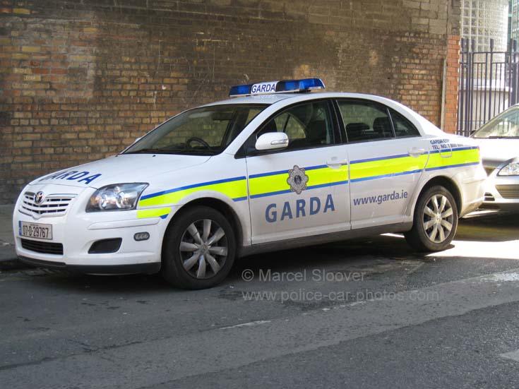 Garda dublin toyota avensis patrolcar