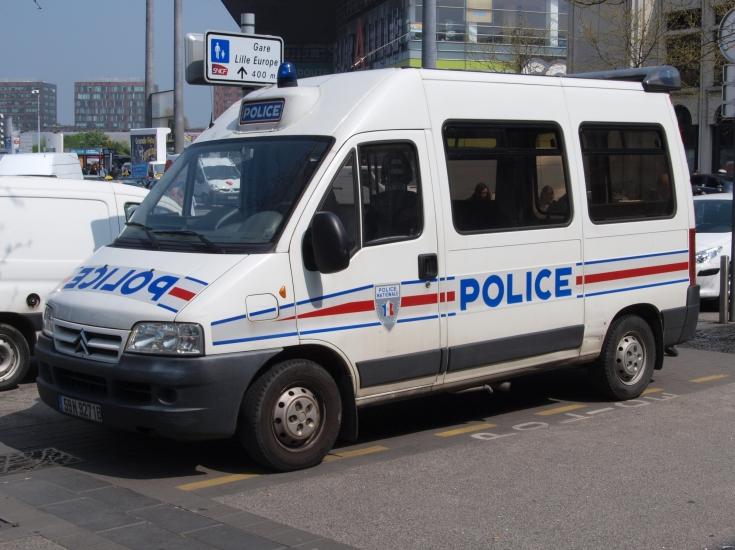 Police car photos citroen police van police nationale lille for Police nationale lille