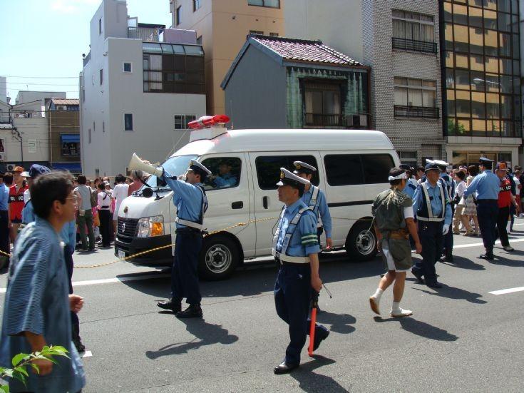 Tokyo police during Torigoe Shrine festival