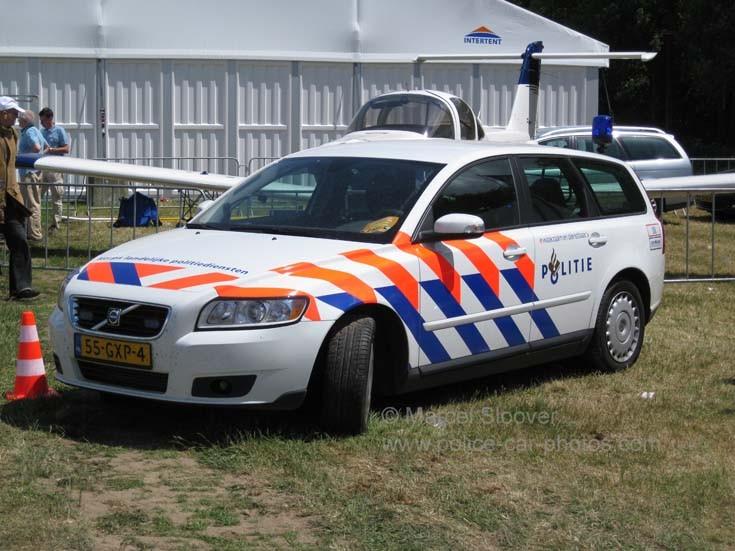 Image of a KLPD Volvo V50 patrolcar