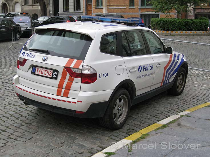 BMW X3 Belgium Waterway police back