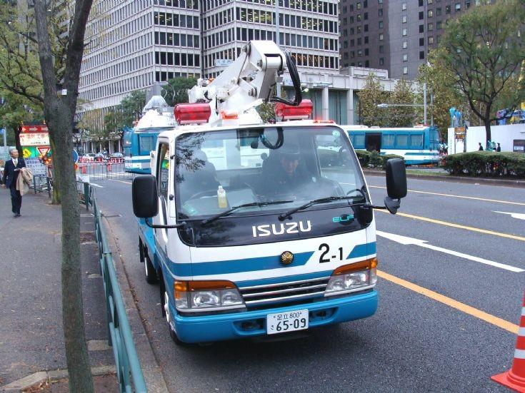 Tokyo Police Department Isuzu Ligting tender