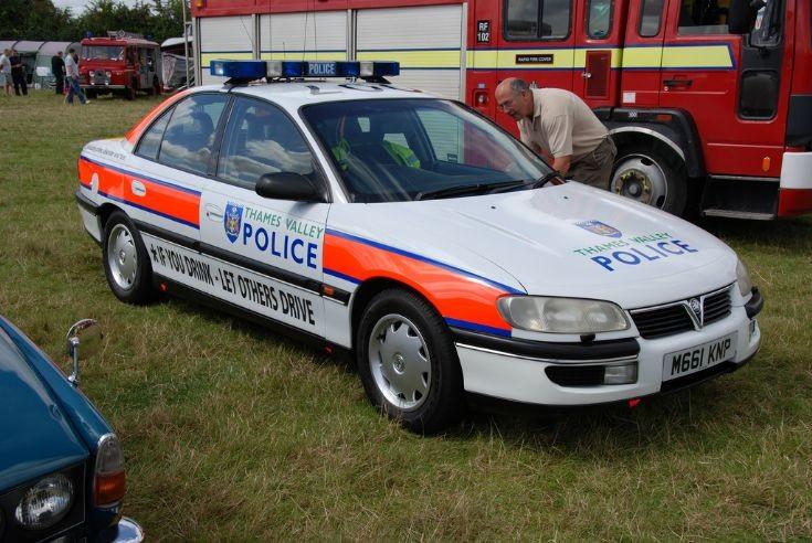 Thames Valley Police Vauxhall Omega 3.0 ltr v6
