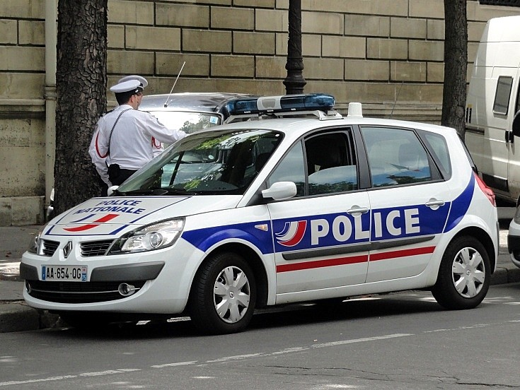police car photos renault police car french police nationale. Black Bedroom Furniture Sets. Home Design Ideas