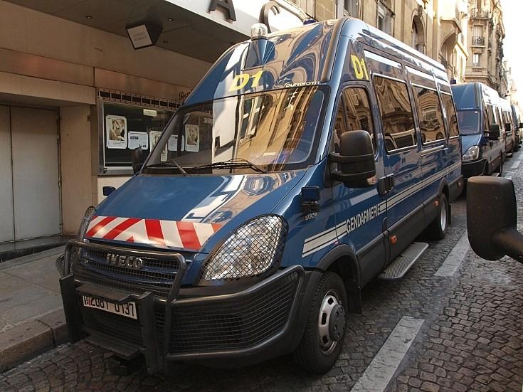 Iveco 50C18 police van