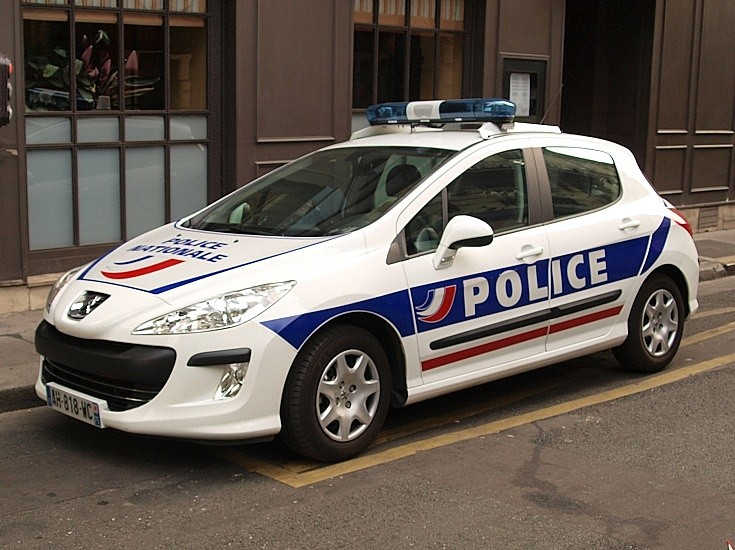 police car photos police nationale at bastille day. Black Bedroom Furniture Sets. Home Design Ideas