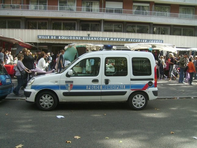 Boulogne Billancourt Police Municipale's car.