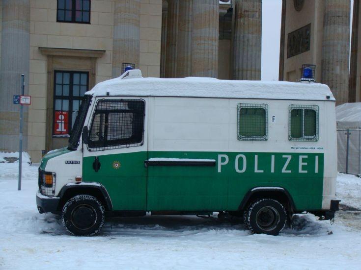 Berlin police van