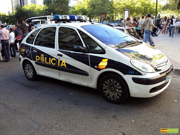 Citroen Xsara Picasso patrol car