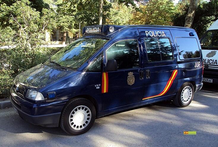 Policia - little van