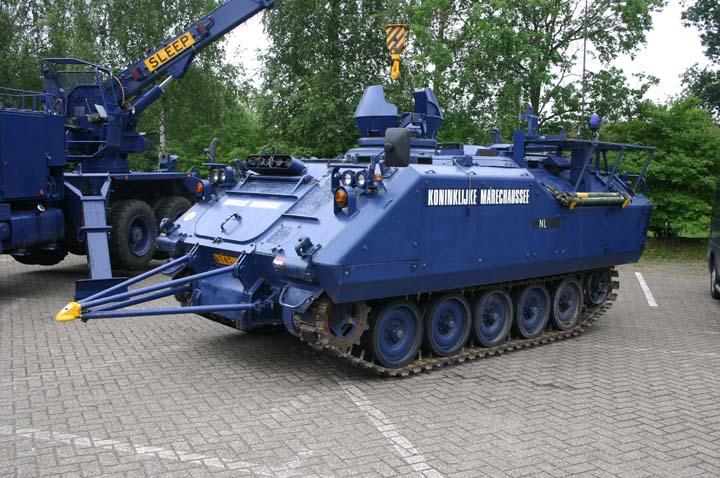 Koninklijke Marechaussee YPR-765 with ram