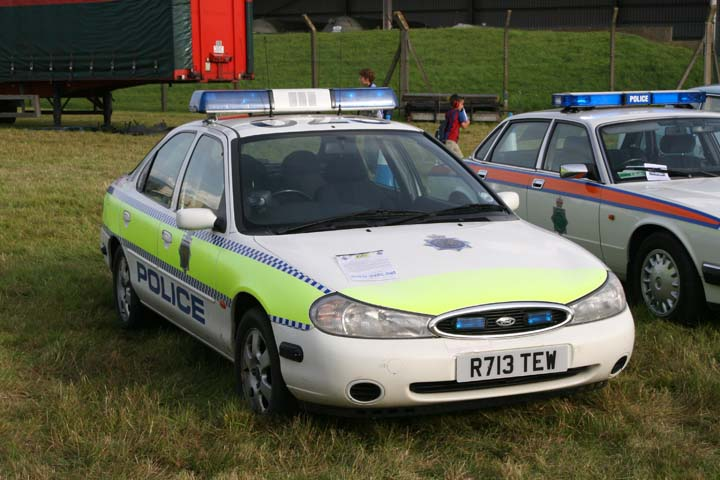 Former Dorset police Ford Mondeo