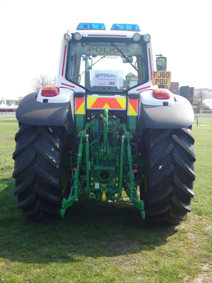 Police Tractor FJ60POU