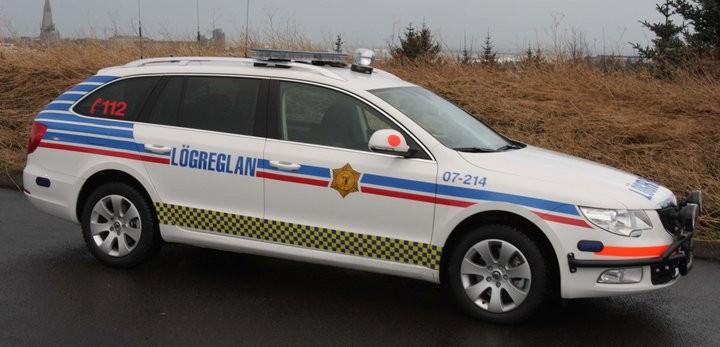 Skoda au service de la police - Page 2 3894