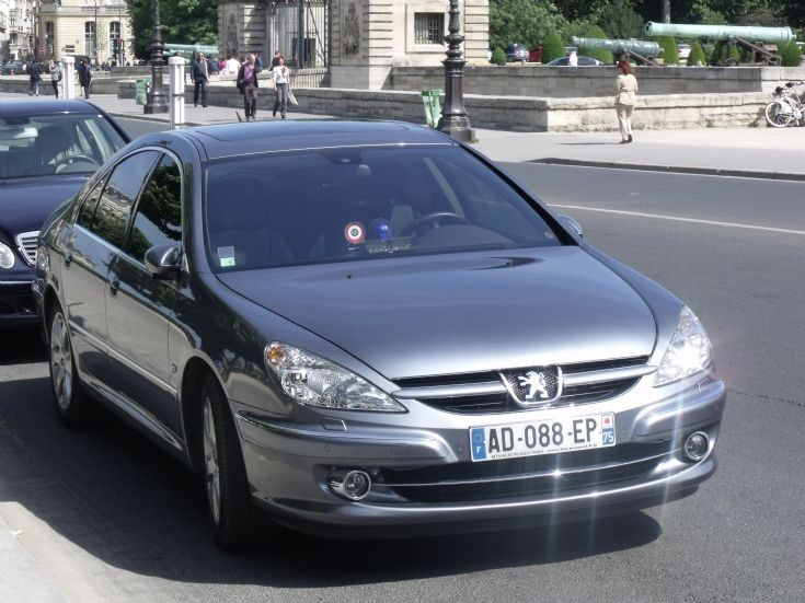 Peugeot 607 in Paris