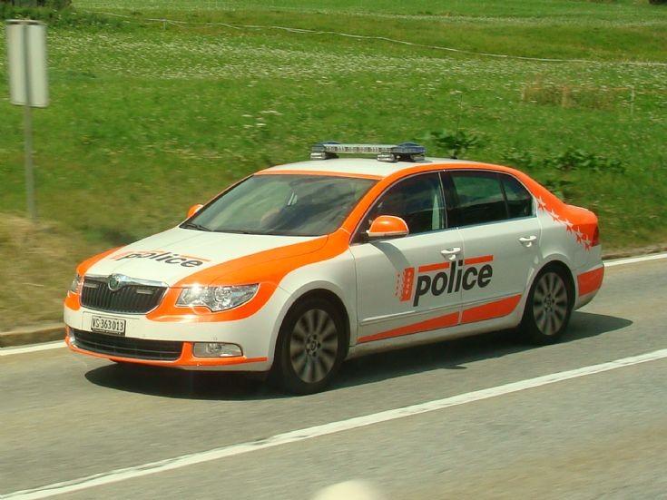 Skoda au service de la police - Page 2 4076