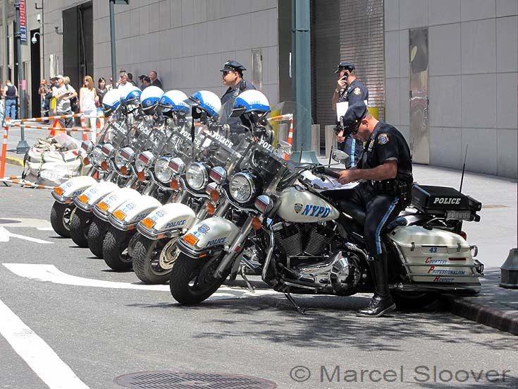 Harley Davidson NYPD line up