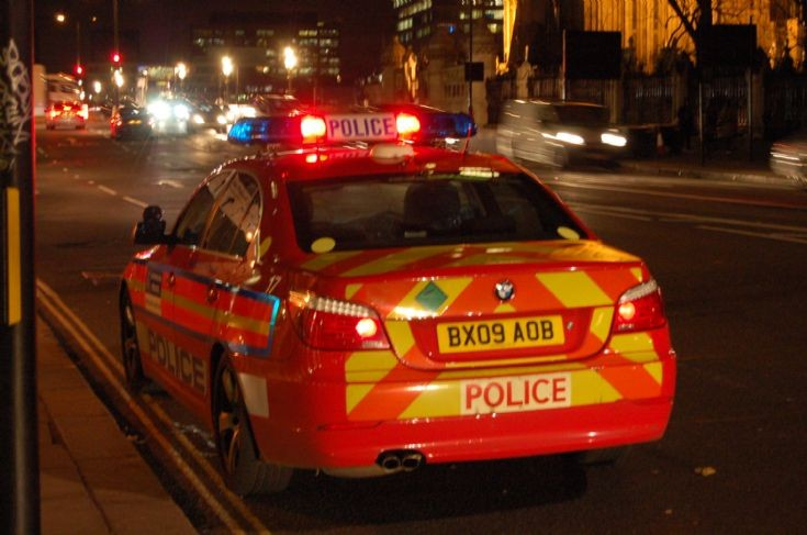 london met police bmw  BX09 AOB