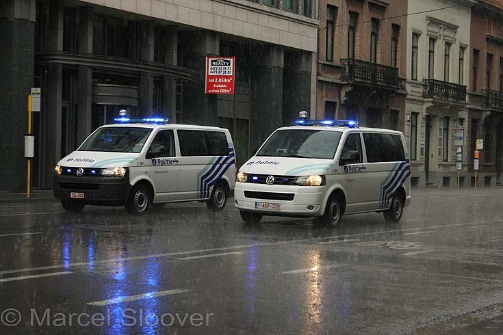 VW T5 Transporters police