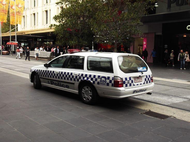 Victoria Police Ford BF falcon XT wagon unit T-65.