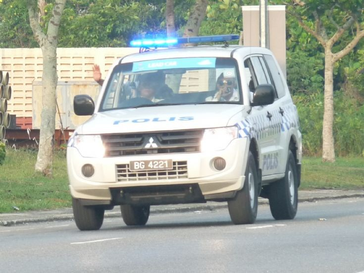Mitsubishi Pajero patrol SUV BG4221
