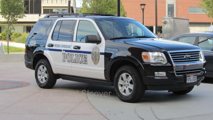 police charger vs ford explorer autos post. Black Bedroom Furniture Sets. Home Design Ideas