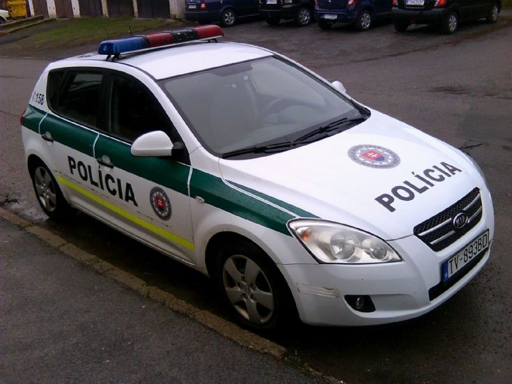 Slovak Police Force Kia cee'd
