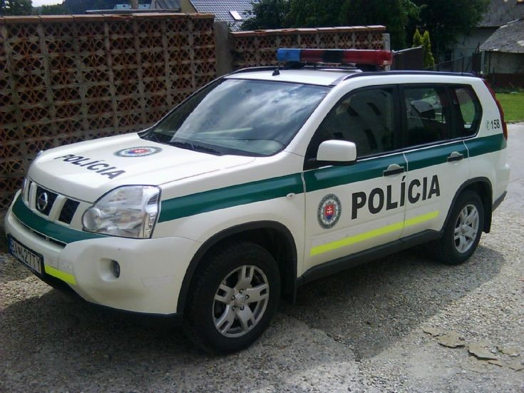 Slovak Police Force Nissan X-Trail T31