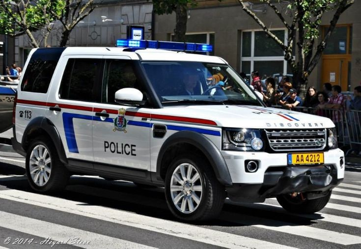 police car photos land rover discovery boat patrol luxembourg. Black Bedroom Furniture Sets. Home Design Ideas