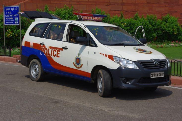 Police Car Photos Delhi Police Toyota Innova