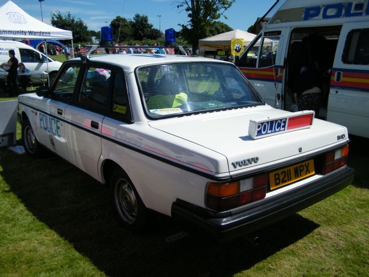 Hampshire Volvo 240 area car