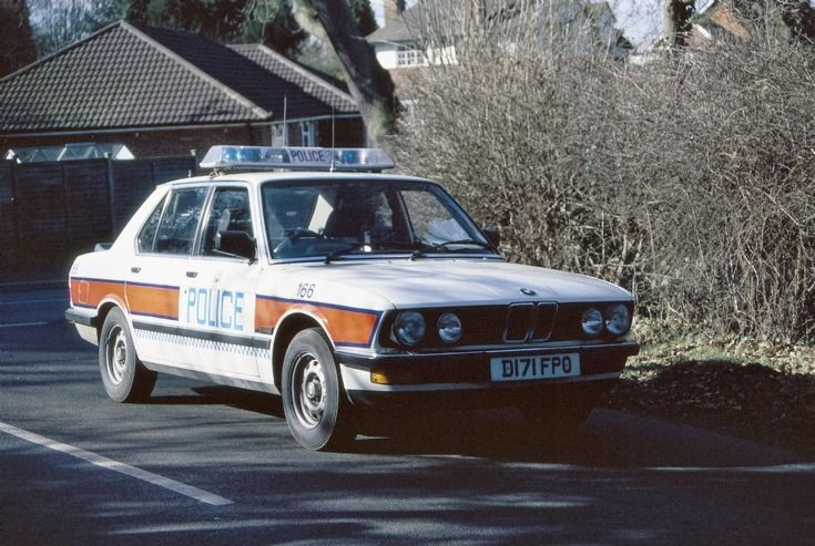 Hampshire Police BMW 325 Series