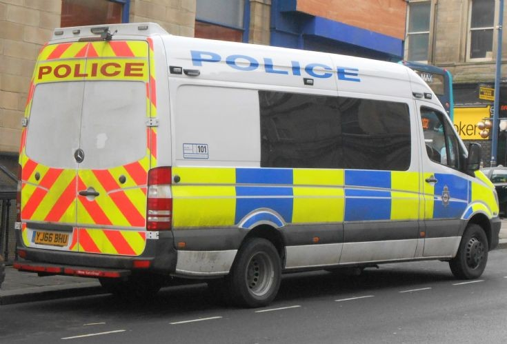 West Yorkshire Police (YJ66 BHU)