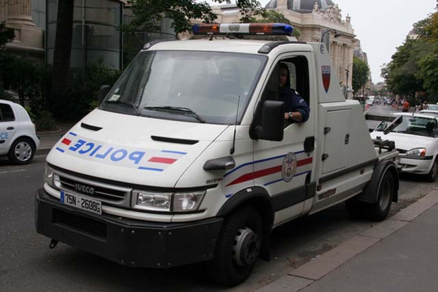 Police Car Towed Iveco Daily Paris Police Tow