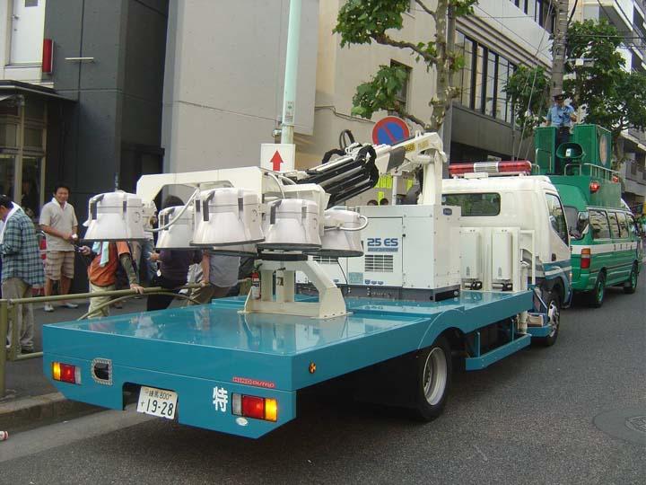 Tokyo Police Nissan Lighting truck